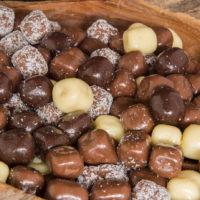 biologische kokosblokjes kokos dobi chocolade coating drageren
