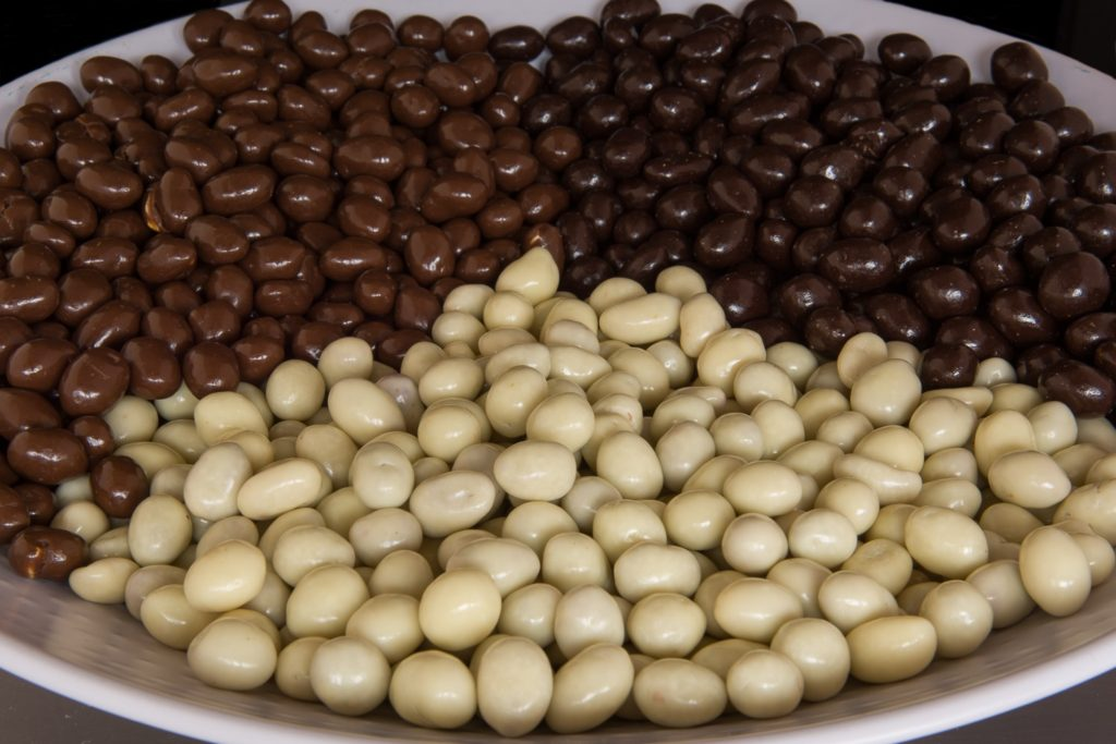 pindas chocolade coating drageren chocoladepindas
